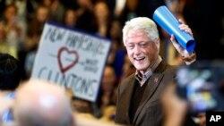 Cựu Tổng thống Mỹ Bill Clinton tại một buổi vận động cho vợ của ông, bà Hillary Clinton.