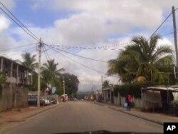 Rua Dos Sem Medos, onde se situa a delegaçºao da Renamo em Nampula, praticamente vazia após os incidentes