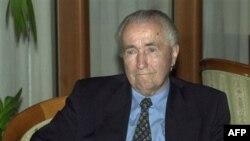 Ante Marković tokom posete Makedoniji, 4. maj 2000