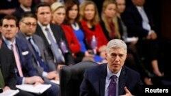 Ứng viên Thẩm phán Tối cao Pháp viện Neil Gorsuch tại phiên điều trần của một ủy ban Thượng viện, Washington, 21/3/2017