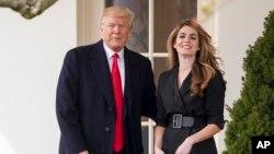 Personas cercanas a la Casa Blanca dicen que podrían reemplazar a Hope Hicks, la asesora sénior Kellyanne Conway o la secretaria de prensa Sarah Huckabee Sanders.