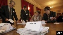 Идет подсчет голосов. Санкт-Петербург. 4 марта 2012 г.