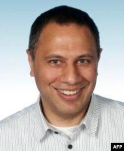 Doç. Dr. Yaman Akdeniz, Türkiye'deki İnternet yasaklarının kaldırılması için hukuksal ve akademik alanda yaptığı çalışmalarıyla tanınıyor