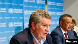 Ông Mike Ryan, chuyên gia khẩn cấp hàng đầu của WHO (trái) và Tổng giám đốc Tedros Adhanom Ghebreyesus tại cuộc họp báo ở Geneva, ngày 6/2/2020.