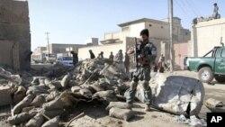8일 아프가니스탄 칸다하르주의 자살폭탄 공격 발생 현장. 경찰관 3명이 사망했다.