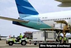16 juta dosis vaksin buatan Sinovac diangkut oleh pesawat Garuda Indonesia dari China. (Foto: Biro Setpres)