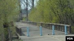 """Jembatan yang dinamakan """"Bridge of No Return"""", dekat Panmunjom (Foto: dok)."""