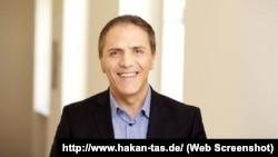 Berlin Parlamentosu'ndan Sol Parti milletvekili Hakan Taş