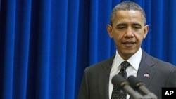 """Обама го потпиша актот за укинување на политиката """"Не прашувај, не кажувај"""""""