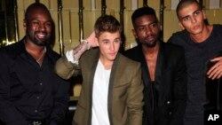 Penyanyi Justin Bieber pada sebuah acara di Paris, September 2014. (AP/Zacharie Scheurer)