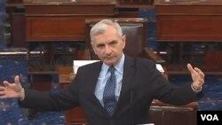 美國參議院軍事委員會民主黨領導人傑克.瑞德