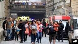 Ledakan kuat mengguncang kota Praha, Ceko, melukai sedikitnya 40 orang (29/4).