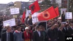 Protesta në Prishtinë kundër arrestimit të ish pjesëtarëve të UÇK-së