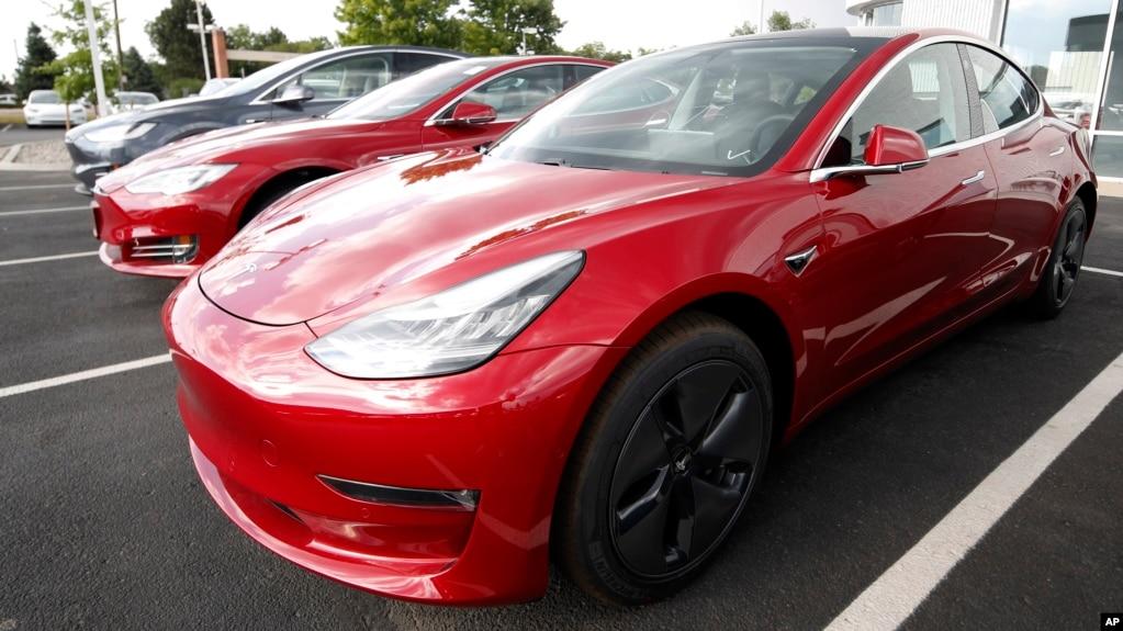 中国政府要求包括特斯拉等外国电动汽车制造商在内的电动汽车厂商设定汽车定期自从向政府发送信息。