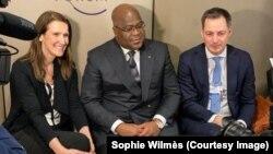 Le président FElix Tshisekedi (C) lors de la réunion avec le Premier ministre belge Sophie Wilmes à Davos, Suisse, le 22 janvier 2020. (Twitter / Sophie Wilmes)