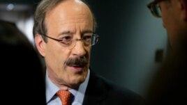 Engel kritikon opozitën në Kosovë