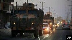 عکس آرشیوی از اعزام واحدهای نظامی ترکیه به سمت مرز سوریه