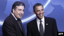 Михаил Саакашвили и Барак Обама (архивное фото)
