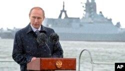 Владимир Путин на параде военно-морского флота в Балтийске. 26 июля, 2015.