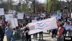 Protestë në Beograd kundër ndotjes