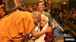Dalai Lama Explains Guide to the Bodhisattva's Way of Life in Germany (photo: dalailama.com)