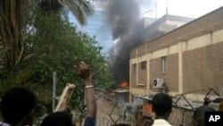 蘇丹抗議者在德國使館門前示威