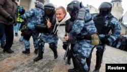 2021年1月31日支持反对派领袖纳瓦尔尼的抗议者在莫斯科被执法人员拘留