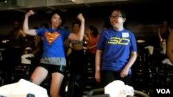 Para pengusaha rintisan perempuan melakukan latihan fisik bersama di San Mateo, California (foto: ilustrasi).