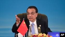 中国总理李克强在成都举行的中日韩领导人峰会上讲话。(2019年12月24日)
