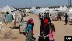 داود اوغلو: تعداد پناهجويان سوری در ترکيه از مرز ۱۶ هزار نفر گذشت