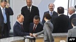 Владимир Путин среди участников Межгосударственного совета Таможенного союза России, Беларуси, Казахстана и ЕврАзЭС