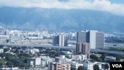 Caracas sufre también el racionamiento de agua con cortes en el abastecimiento que pueden durar hasta dos días.