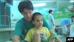 Thanh niên Mỹ gốc Việt với dự án VIET2010 giúp đỡ nạn nhân da cam