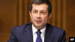Министр транспорта Пит Буттиджич (архивное фото)