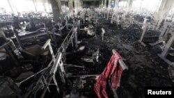 Pabrik garmen Tazreen Fashions, di distrik Savar, Dhaka yang mengalami kebakaran ternyata tidak mempunyai pintu-pintu keluar darurat (28/11).