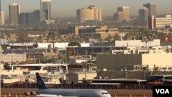 La falta de los explosivos en el aeropuerto de Phoenix, no comprometió la seguridad, según las autoridades.