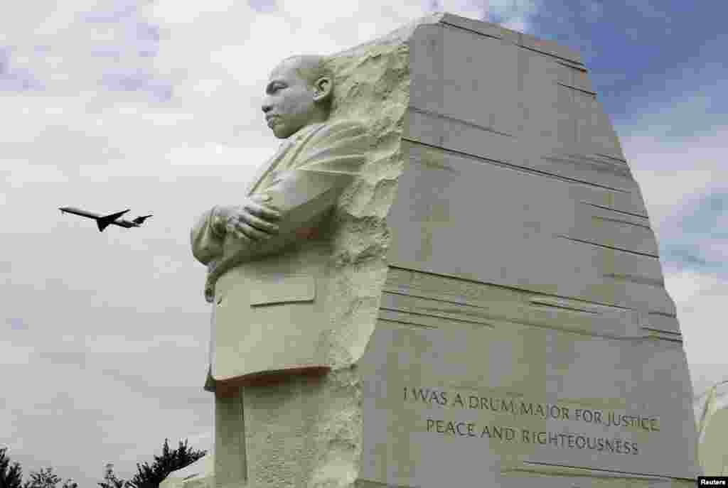 کنگ کو 4 اپریل 1968ء میں امریکی ریاست ٹینیسے کے شہر میمفس میں قتل کر دیا گیا تھا۔