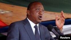 Rais Uhuru Kenyatta akihutubia sherehe za Jamhuri Day 2016