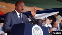 Rais Uhuru Kenyatta akihutubia sherehe za Jamhuri Day 2016. .Kenyatta alishinda awamu ya pili ya urais kwa kupata kura milioni 8.2