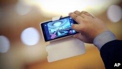 El software puede hacer que los clips de acción corta puedan ser inmediatamente subidos a redes sociales como Facebook o Twitter.