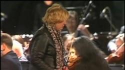 2012-01-09 粵語新聞: 美國女議員紀念槍擊事件一週年