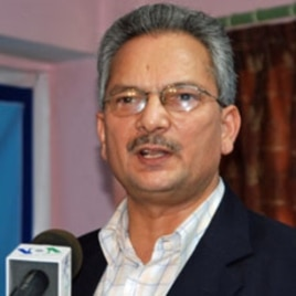 Baburam Bhattarai at news conference in Kathmandu, 30 Apr 2010