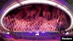 Kembang api pada upacara pembukaan Asian Games ke-18 di Incheon, Korea Selatan. (Reuters/Kim Kyung-Hoon)