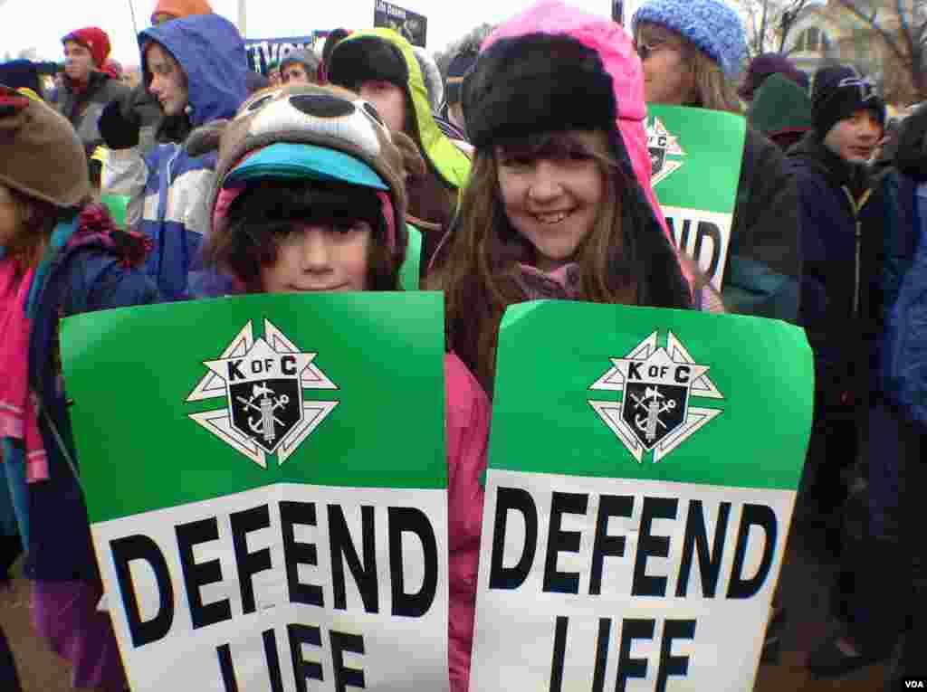 年轻的维护生命权运动支持者(美国之音杨晨拍摄)