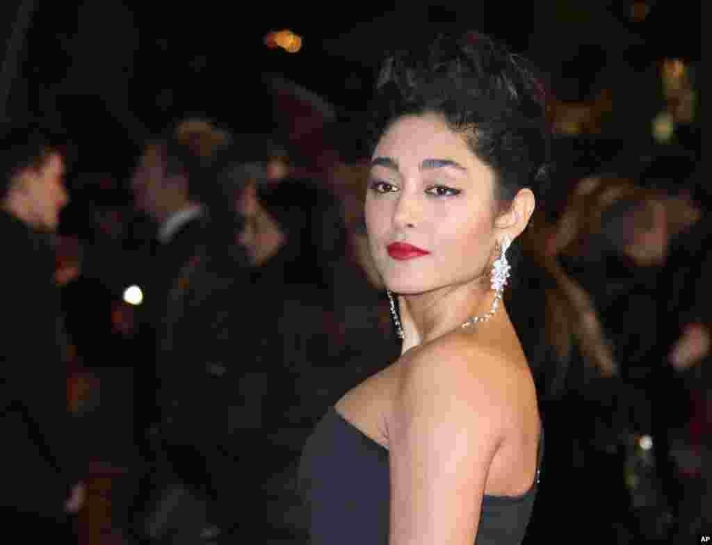 فیلم «نغمههای عرب» که گلشیفته فراهانی بازیگر مشهور ایرانی در آن ایفای نقش کرده، در جشنواره فیلم ونیز جایزه منتخب تماشاگران را به دست آورد.