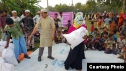 Bantuan makanan United Mission of Relief & Development kepada pengungsi Rohingya di Bangladesh (courtesy: UMR).