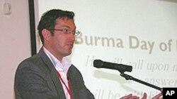세계 기독교 연대의 벤 로저스(Ben Rogers) 동아시아 팀장. 미국의 '뉴욕타임스' 와 '월스트리트저널' 에 북한에 대한 유엔의 반인도범죄 조사위원회 구성을 촉구하는 글을 기고.