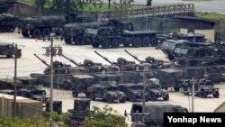 지난 2015년 경기도 동두천 미군 부대에 화기들이 대기 하고 있는 모습