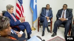 جان کری حین ملاقات با مقامات سومالیا