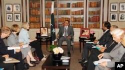 صدر زرداری سے لندن میں برطانوی وزیر داخلہ کی ملاقات